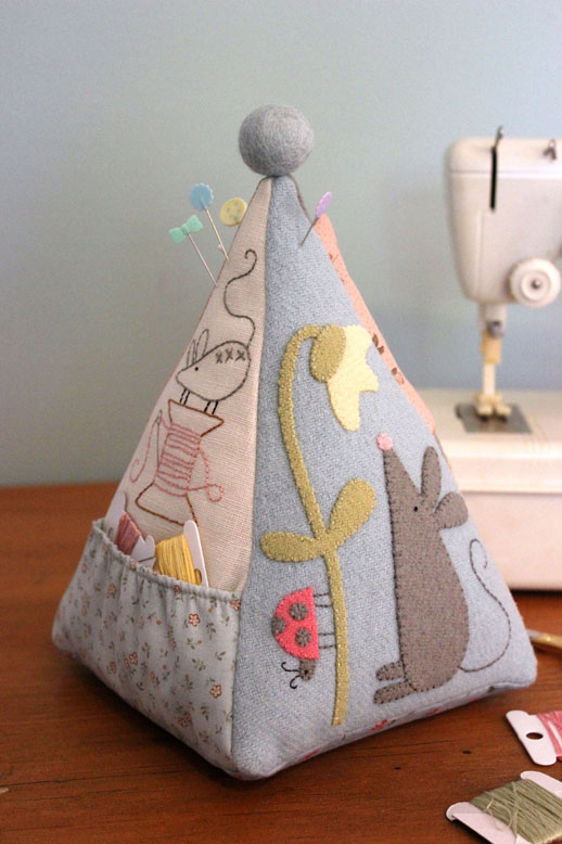 Mousepincushionfront(small)